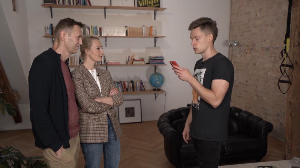 Кручу-верчу: Навальный натравил ботов для раскрутки своего интервью у Дудя
